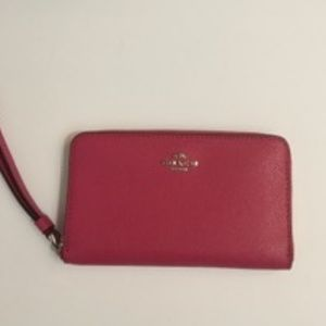 NWT Coach F8053 Around Phone Wallet Wristlet